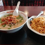 中華料理 美味亭 - 料理写真:豚骨台湾ラーメン+台湾炒飯セット ¥918