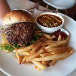 3000日かけて完成した極上ハンバーガー Field - 極上肉づくしバーガー