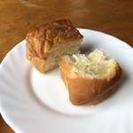 エントランス - 料理写真:パン・・できれば温められるといいような。