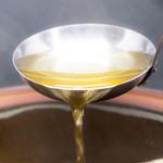 特製しゃぶしゃぶお出汁を常時9種類ご用意。