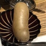 欧風カレー ガヴィアル - 最初に提供される茹でたジャガイモ