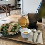 ヨムパン - 料理写真:鶏むね肉のフォカッチャサンドです(2018.12.22)