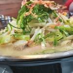 博多三氣 - ラーちゃん、野菜