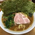 ラーメン 虎ノ穴 - ラーメン並800円(海苔サービス)