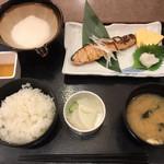 かんながら - 料理写真:鮭定食