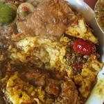 中華料理 八戒 - ふわふわ玉子の下はカレー炒飯
