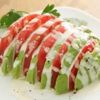 ポポラート - トマトとアボカド
