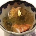 98870442 - しんとり菜のおひたしと足赤海老、すだちのジュレ