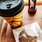 スィーツカフェ リュ プランシパル - ハーブティー 380円 クッキー付き テイクアウト対応してくださいました。