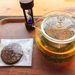 スィーツカフェ リュ プランシパル - ハーブティー 380円 クッキー付き