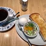 カフェ・ラシュール - アメリカン¥420でAセットのトースト、玉子、サラダ