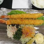 98872508 - エビフライ定食