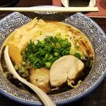 麺匠 黒春晴 - 濃厚焦がしニンニク鶏白湯そば(800円)