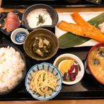 98875375 - ◆サケのハラス焼き定食 1,600円