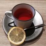 98875998 - 紅茶(+税抜き600円)