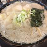 ラーメン屋 アジト - 料理写真:ワンタンメン650円