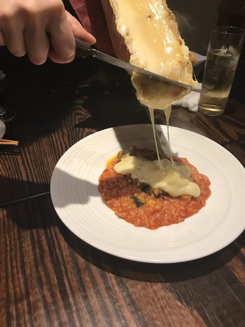 チーズと和牛ビストロ きこりのお家 - お野菜とラクレットのトマトリゾット
