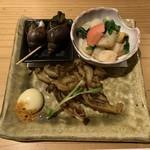 活貝 日本酒 おばんざい 福島おちび - バイ貝煮付け、帆立ひもの炙り、小柱の煮物