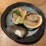 活貝 日本酒 おばんざい 福島おちび - はまぐりと白はまぐりの食べ比べ