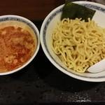 つけめん処 けんみん - 辛いつけ麺700円(大盛)