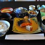 日本料理 「さくら」  - 和朝食