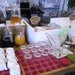 カフェ アソシア - ドリンクバーとデザートコーナー