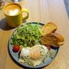 イエロー カフェ - 料理写真:モーニングプレート648円、モーニングカフェラテ378円