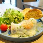 イエロー カフェ - モーニングプレート648円