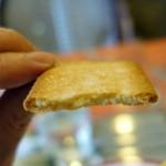 Zakku - タマゴサンドトーストモーニングセット690円につくビスケット