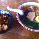 ときわや食堂 - 2011.10 セット(ラーメン・半カレー)770円