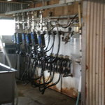 9891597 - 牧場にあった機械