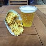 今浪うどん - POTATO SUN 'S  FRY DAY の   生ビールとポテト