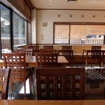 PONTE - 店内テーブル席
