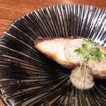 日本料理 香せり - 3800円のコース  焼物→カリフラワーと白味噌のクリーム掛け(サワラ)