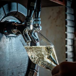 世界各国の自然派ワイン&人気の樽生スパークリングワイン♪