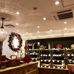 パティスリー・パリセヴェイユ - クリスマス仕様の店内