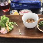 島野菜カフェ Re:Hellow BEACH - タコスの前菜 もずく、豆腐