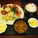 カフェテラス - 料理写真:からあげ定食(ご飯大盛)