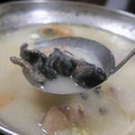 鳥代 - 炭火焼を鍋へ…