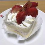 98938468 - いちごのショートケーキ