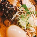 98940865 - 味噌ラーメン 800円 煮卵トッピング+100円