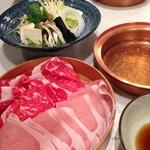 しゃぶしゃぶ 山笑ふ - 特選牛ロース(大国牛)+米澤豚一番育ちロース 2,800円