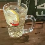 ビストロISOMARU - ハイボールで乾杯っ(*´>ω<`*)