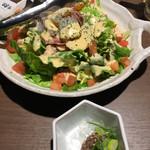 98952719 - 藁焼き野菜のスパイシーサラダ