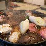 太田なわのれん - 牛鍋御膳8,640円のぶつ切り牛鍋がグツグツ!