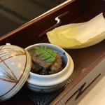 太田なわのれん - 牛鍋御膳8,640円の先付け(牛肉の時雨煮)