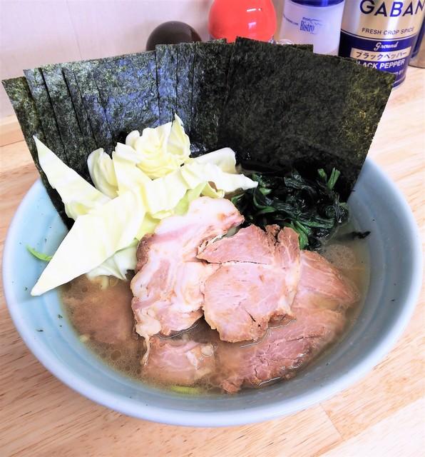 ラーメン 高橋家 - ラーメン750円麺硬め。海苔増し100円。