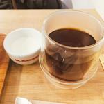 エッセンス カフェ - コーヒーとミルク