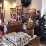 3つのたまご - 店内 クリスマスバージョン