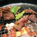 まめ牛 - 料理写真:炭火でじっくり!